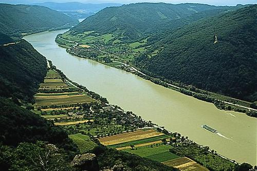 Fluss Zur Donau
