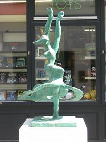 Bronzeplastik 'Flamenco' von Christine Pillhofer 1984