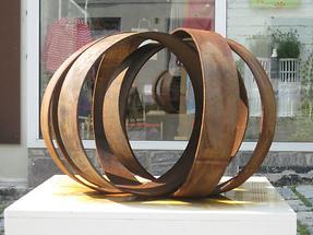 Eisenplastik 'Per aspera ad astra' von Rolf Laven 2011