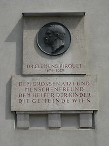 Clemens Pirquet Gedenktafel mit Portraitmedaillon