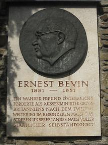 Ernest Bevin Gedenktafel von Mario Petrucci 1958