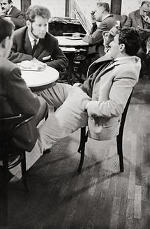 Raimund Abraham im Café Hawelka