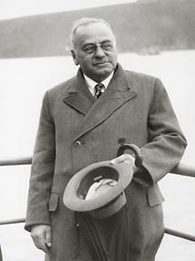 Alfred Adler (3)