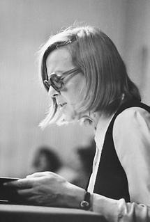 Die Schriftstellerin Ingeborg Bachmann (1)