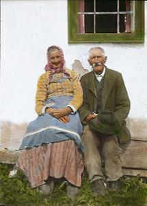 Altes Bauernpaar aus dem Triestingtal