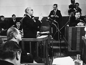 Anton Benya als Zeuge beim Prozeß gegen Franz Olah