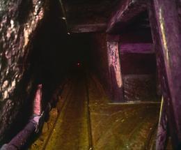 Im Hauptstollen des Hallstätter Salzbergwerks