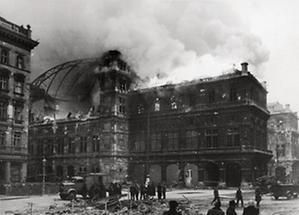 Brand der Wiener Staatsoper 1945