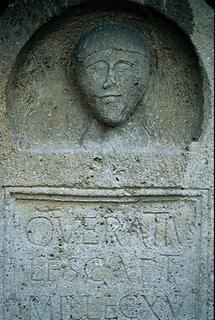 Detail aus einem röm. Grabmal in Carnuntum