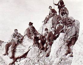 Bergsteiger auf dem Gipfel des Dachstein