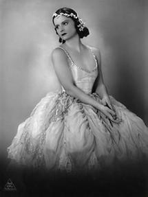 Die österreichische Tänzerin Julia Drapal