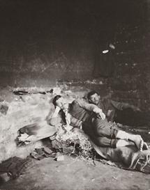 Nachtlager im Ziegelofen