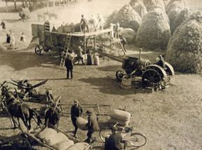 Das Dreschen des Getreides in der Kolchose