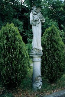 Skulptur im Klostergarten Eggenburg