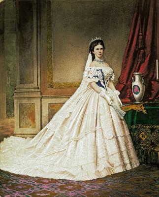 Kaiserin Elisabeth im ungarischen Krönungskleid  Elisabeth, Kaiserin ...