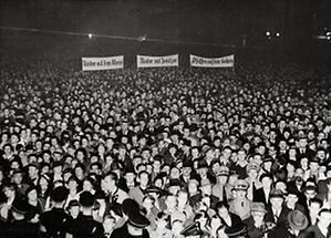 Antikirchliche Demonstration der Wiener Nazis