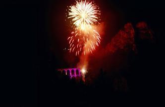 Semmeringbahn: Feuerwerk über dem Viadukt Kalte Rinne