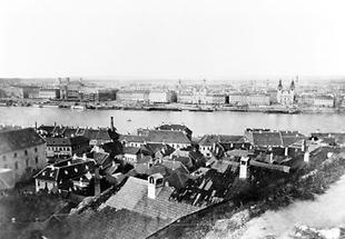 Stadt an der Donau