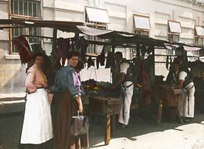 Markteinkauf am Straßenstand