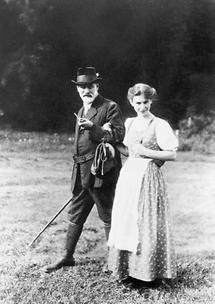 Sigmund Freud mit seiner Tochter Anna