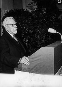 Friedrich Funder am Rednerpult