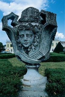 Detail einer barocken Vase