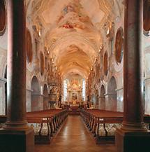 Innenansicht der Stiftskirche des Stiftes Geras