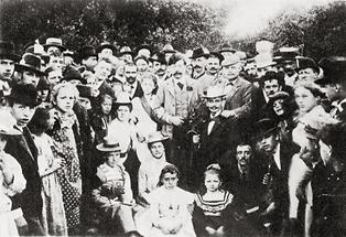 Victor Adler mit Anhängern