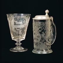 Geschliffener Bierkrug und Trinkglas eines Hammerherrn