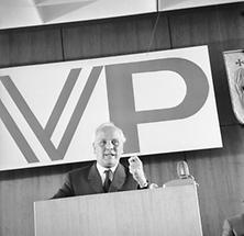 Heinrich Gleissner bei der ÖVP-Parteisitzung