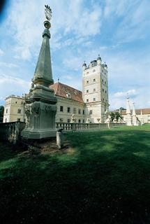 Hauptfront von Schloss Greillenstein