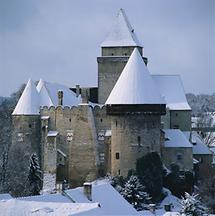 Schneebedeckte Burg Heidenreichstein
