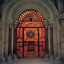 Schmiedeeisernes Tor zum Brunnenhaus
