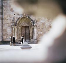 Romanisches Portal in Heiligenkreuz