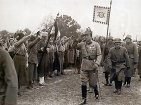 Starhemberg bei einem Aufmarsch des Heimatschutzes