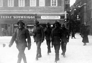 Heimwehrpatrouille in der Stadt Wien.