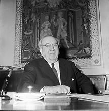 Oskar Helmer