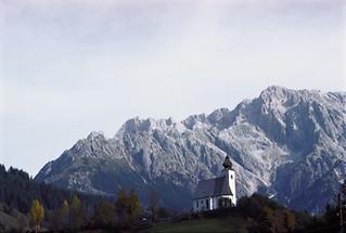 Kirche im Gebirge