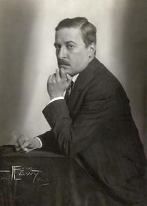 Hugo von Hofmannsthal, rauchend