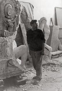 Alfred Hrdlicka in seinem Atelier