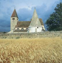 Karner und Wehrkirche in Friedersbach, Niederösterreich