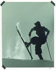 Skifahrerin in Knickerbocker