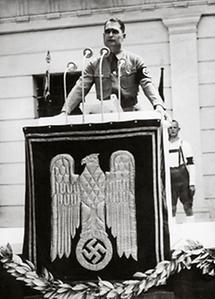 Rudolf Hess hält Rede in Klagenfurt