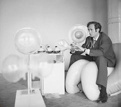 Der österreichische Künstler Cornelius Kolig (2)