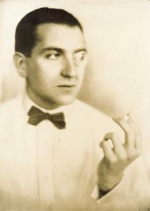 Fritz Lang mit Monokel