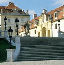 Treppe zum Schloss Valtice