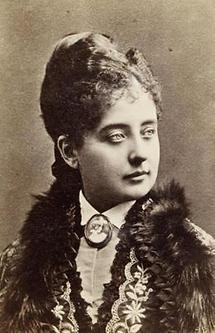 Portrait Pauline Lucca (4)