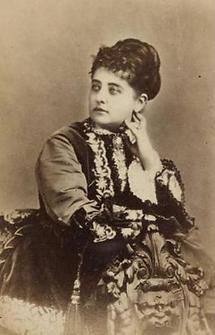 Portrait Pauline Lucca (3)