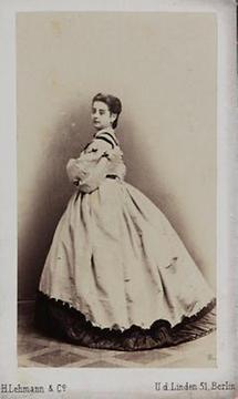 Portrait Pauline Lucca (2)