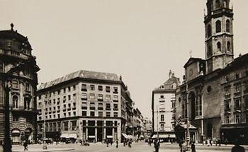 Michaelerplatz mit Looshaus und Michaelerkirche
